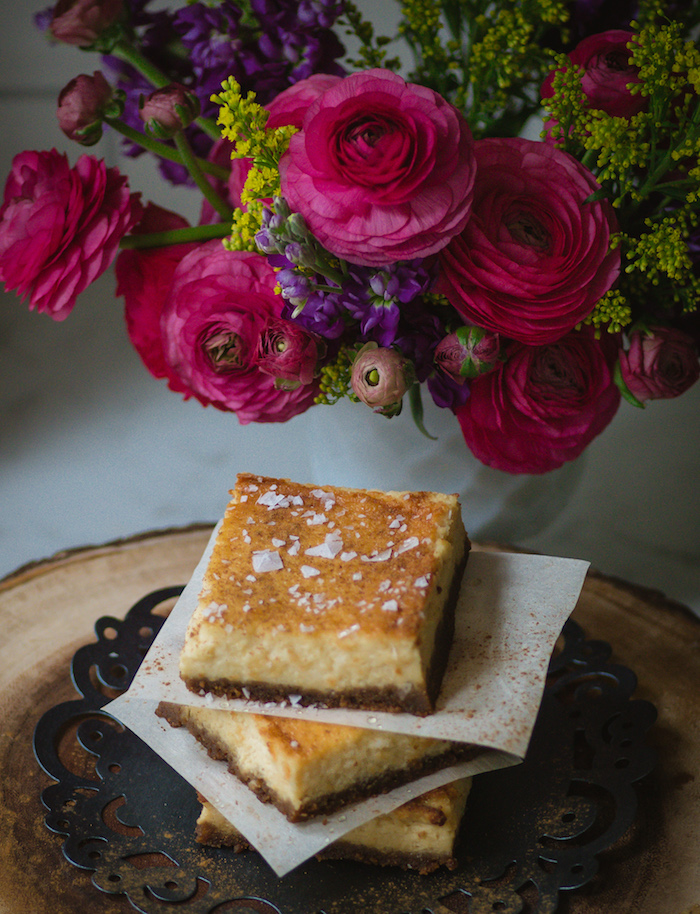 Recipe for honey custard bars with a cookie crust.
